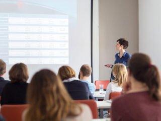 Plan estratégico de marketing y estructura de presentación en ppt